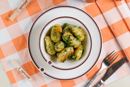 Картофель молодой обжаренный на сливочном масле