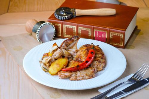 Пикантная курица с картофелем и таджасскими оливками