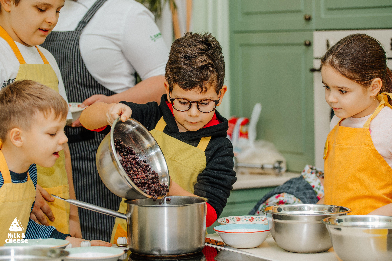 На Дачу вернулась детская кулинарная школа
